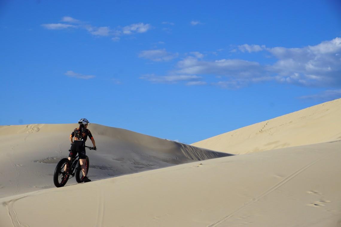 Caminhos a escolher nas dunas