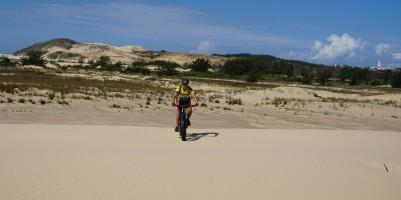 A grande duna e o Morro do Farol ao fundo