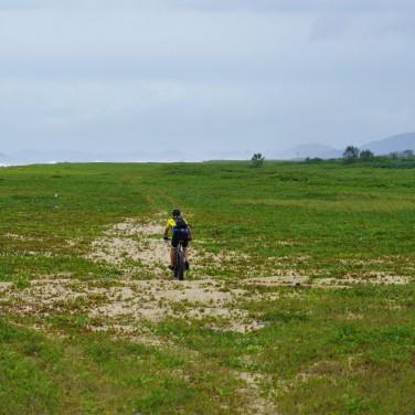 Trilha na restinga para a Barra do Rio Itapocu